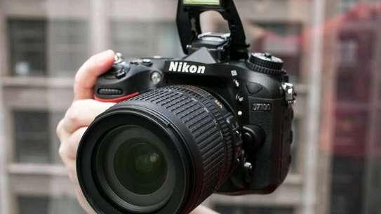 Nikon D7100 Camera Plus AF-S DX 18-140mm f/3.5-5.6G ED VR Kit Black image 1