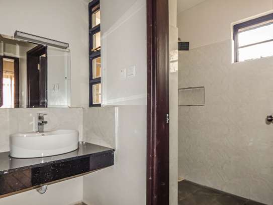 2 bedroom apartment for sale in Ruaka image 10