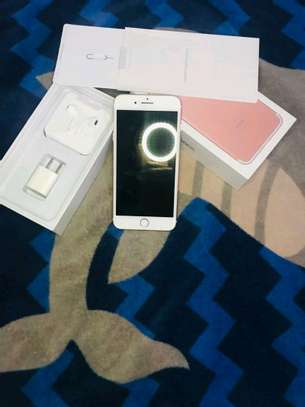 Apple Iphone 7 Plus  : 256 Gb Gold & Iwatch Series 3 ( gps and cellular version ) image 3