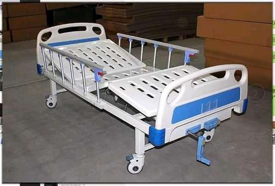 Two crank hospital and home nursing bed image 2