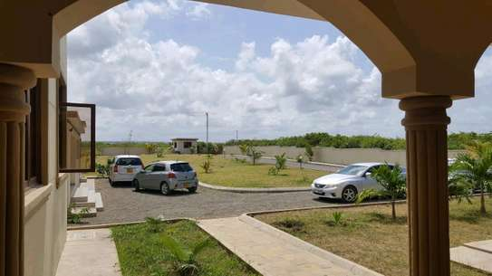 Prime Furnished Property for Sale in Vipingo Beach image 11