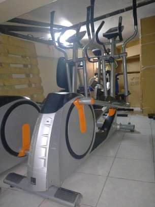 commercial crosstrainer image 1