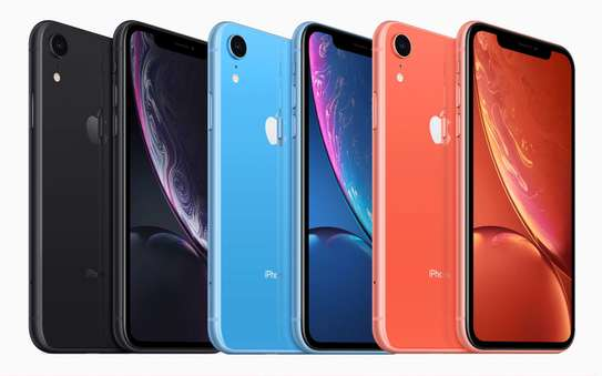 Apple iPhone XR (64GB) image 1