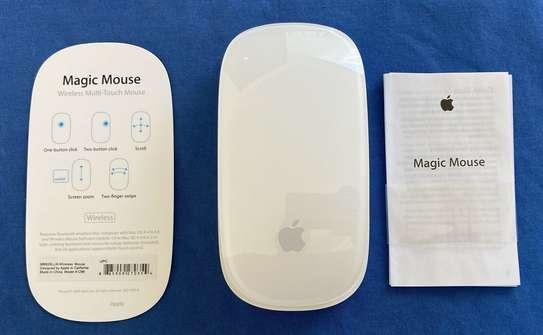 Apple Magic Mouse Model A1296 Bluetooth Wireless image 2