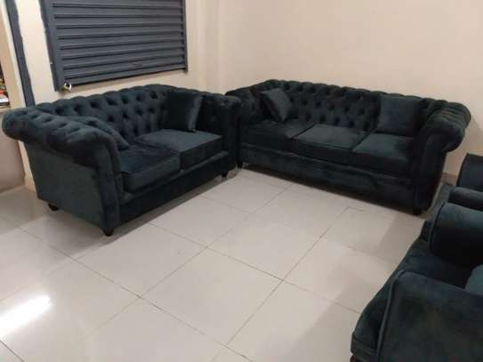 Good 7 seater buttoned sofaset image 2