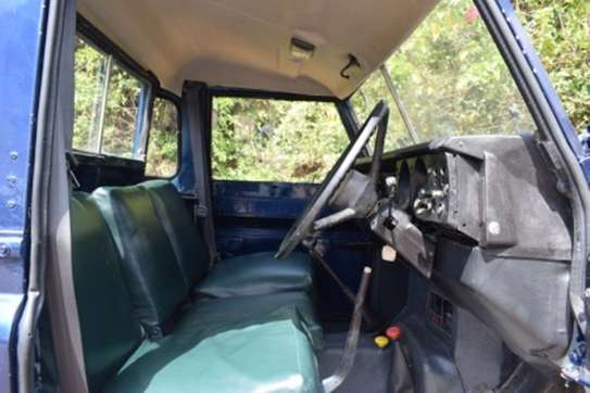 Land Rover 109 image 5