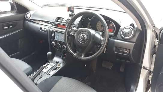 Mazda Axela image 4