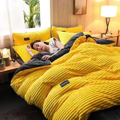 Yellow Velvet duvet image 4
