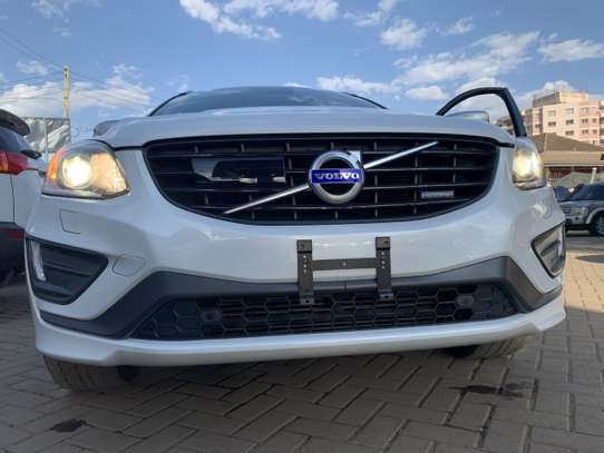 Volvo XC60 image 10