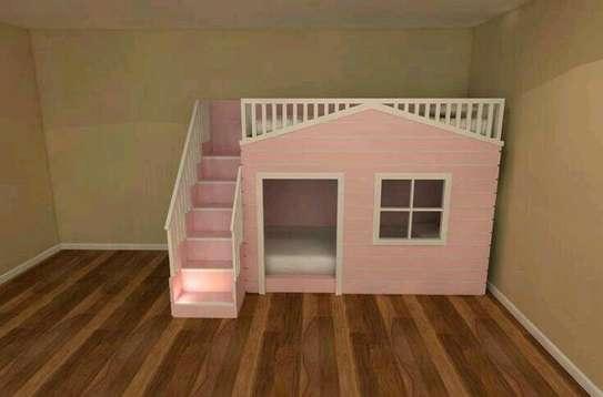 Kids bunker bed /playhouse image 1