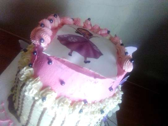 Nyawira cakes image 4