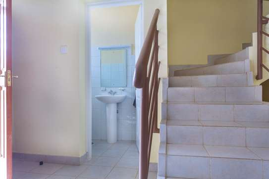 3 Bedroom Maisonette Master En-suite +DSQ image 5