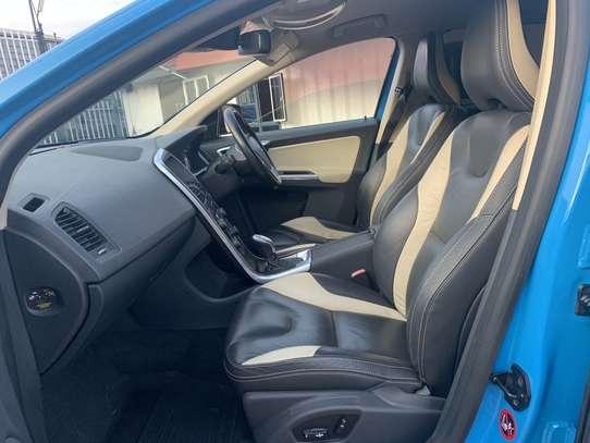 Volvo XC60 image 5