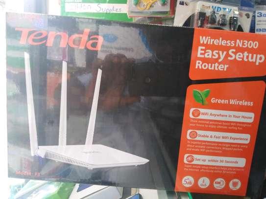 Tenda F3 Router image 1