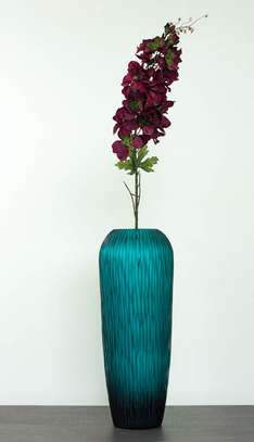 Beautiful purple flowers/flower port/flower vase/plastic flowers/blue vase/