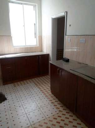3 bedroom apartment available to let in Kilimani image 6