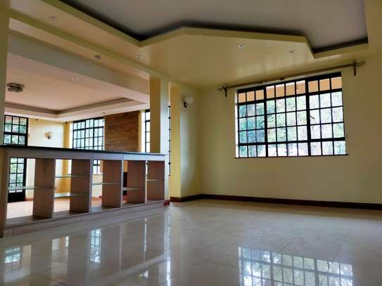 5 bedroom townhouse for rent in Lavington image 3