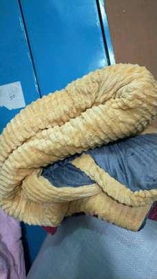 Velvet woolen duvet image 1