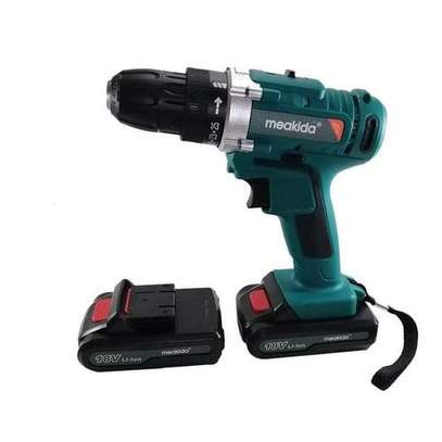18V CORDRESS DRILL WITH 2 BATTERIES AND ACHARGER