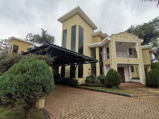 AN OUTSTANDING AND AFFORDABLE THREE STOREY 5 BEDROOM TOWNHOUSE image 1