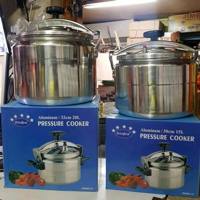 Pressure cookers 15ltrs image 1