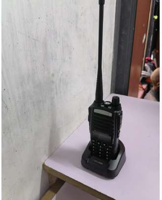 Uv 82 baofeng walkie talkie Radio calls 10km image 1