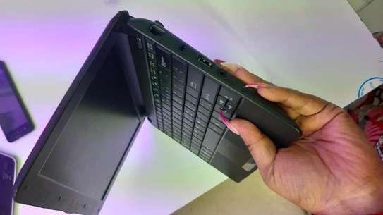 Asus ee mini PC atom processor image 2