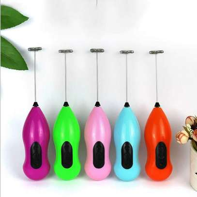 1:Usage: coffee, egg, milk etc. 2:Material: plastic + stainless steel 3:Colour: multicolour 4:Size: 21.6CM * 5CM * 5CM 5:Battery powered. image 4