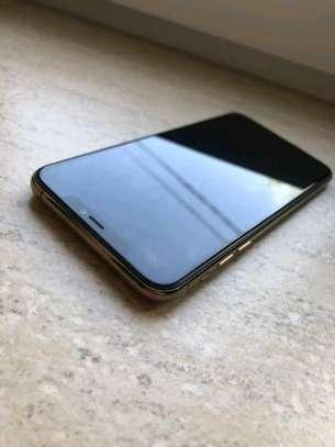 Apple Iphone 11 Pro Max .. 512 Gigabytes image 4