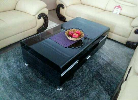 Trendy coffee tables image 2
