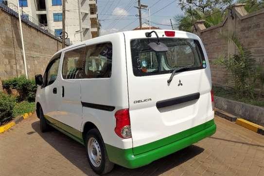 Mitsubishi Delica image 4
