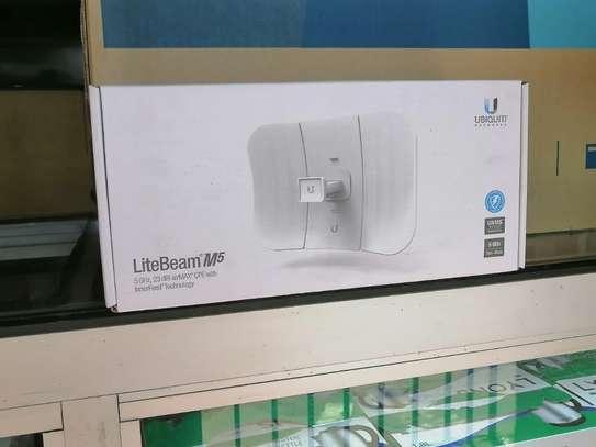 Ubiquiti Networks Litebeam M5 Wireless Bridge 10Mb/100Mb LAN, AirMax 802.11 N image 1