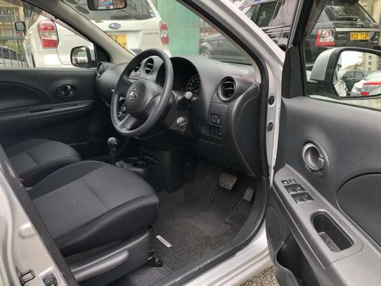 Nissan March image 6
