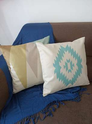 THROW PILLOW CASES image 9