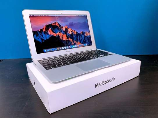Classy portable macbook air 2015 on offer image 2