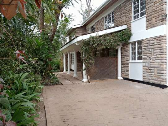 5 bedroom house for rent in Lavington image 2