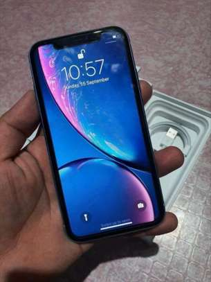 Apple IPhone Xr And Airpods 256 Gigabytes Black image 1