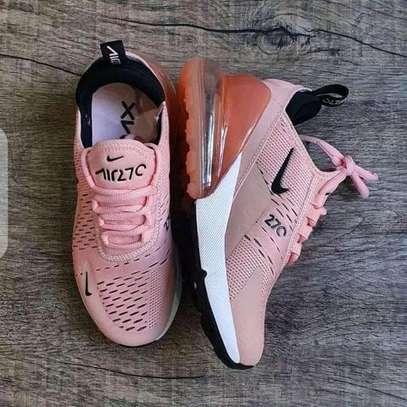 Ladies Airmax sneakers image 1
