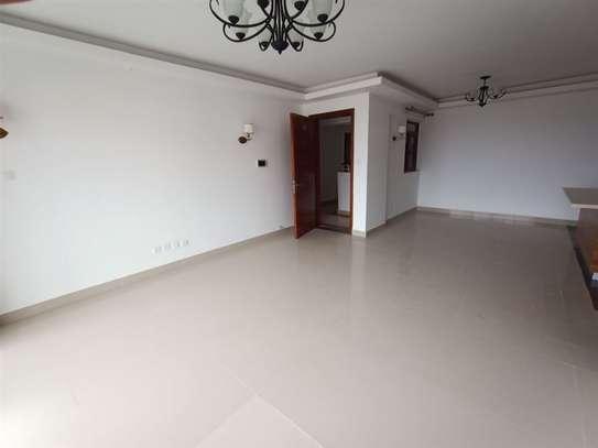 Dennis Pritt - Flat & Apartment