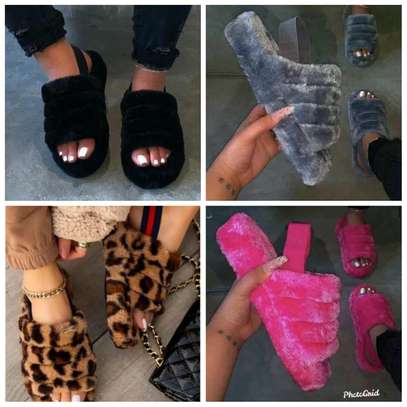 Fluffy ladies sandals image 2
