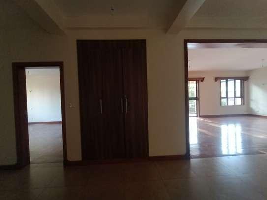 4 bedroom apartment for rent in Parklands image 7