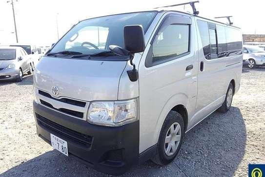 Toyota HiAce image 12