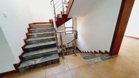 5 bedroom house for rent in Lavington image 18