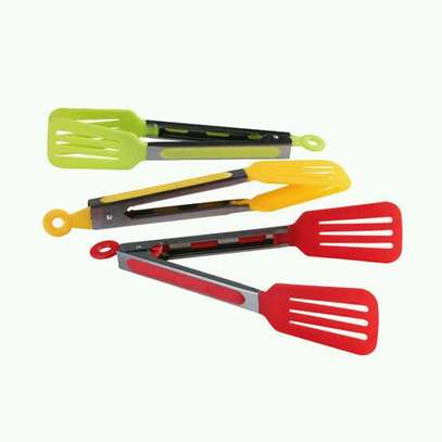 Coloured BBQ tongs image 1