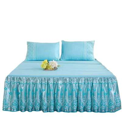Bedcovers (bedskirts) image 4