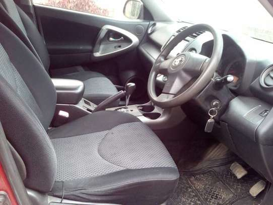 Toyota RAV4 image 5