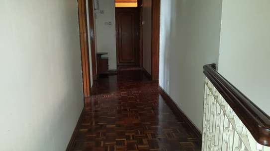 commercial property for rent in Rhapta Road image 9