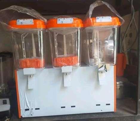 Commercial juice dispenser image 1