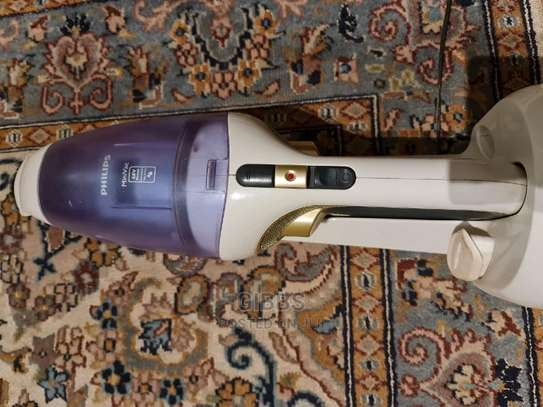 Philips Wet and Dry Mini Wireless Vacuum Cleaner image 3