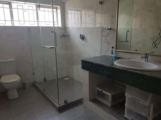 4 bedroom house for rent in Old Muthaiga image 6